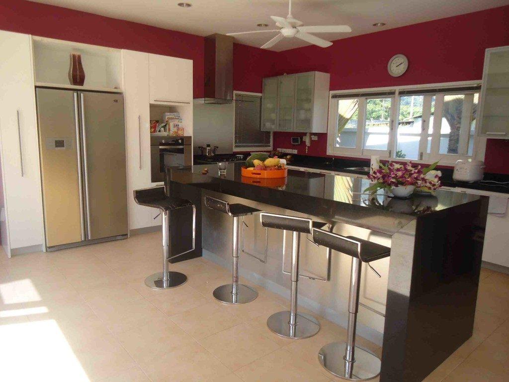 Loch Palm Villa Kitchen