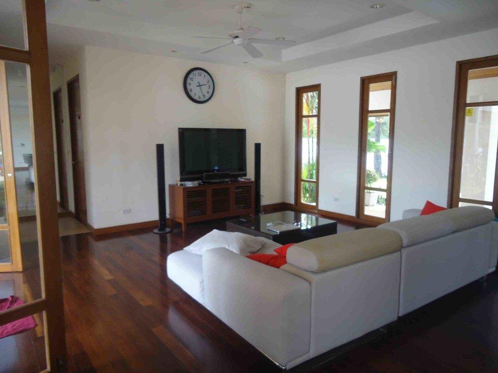 Loch Palm Villa Lounge