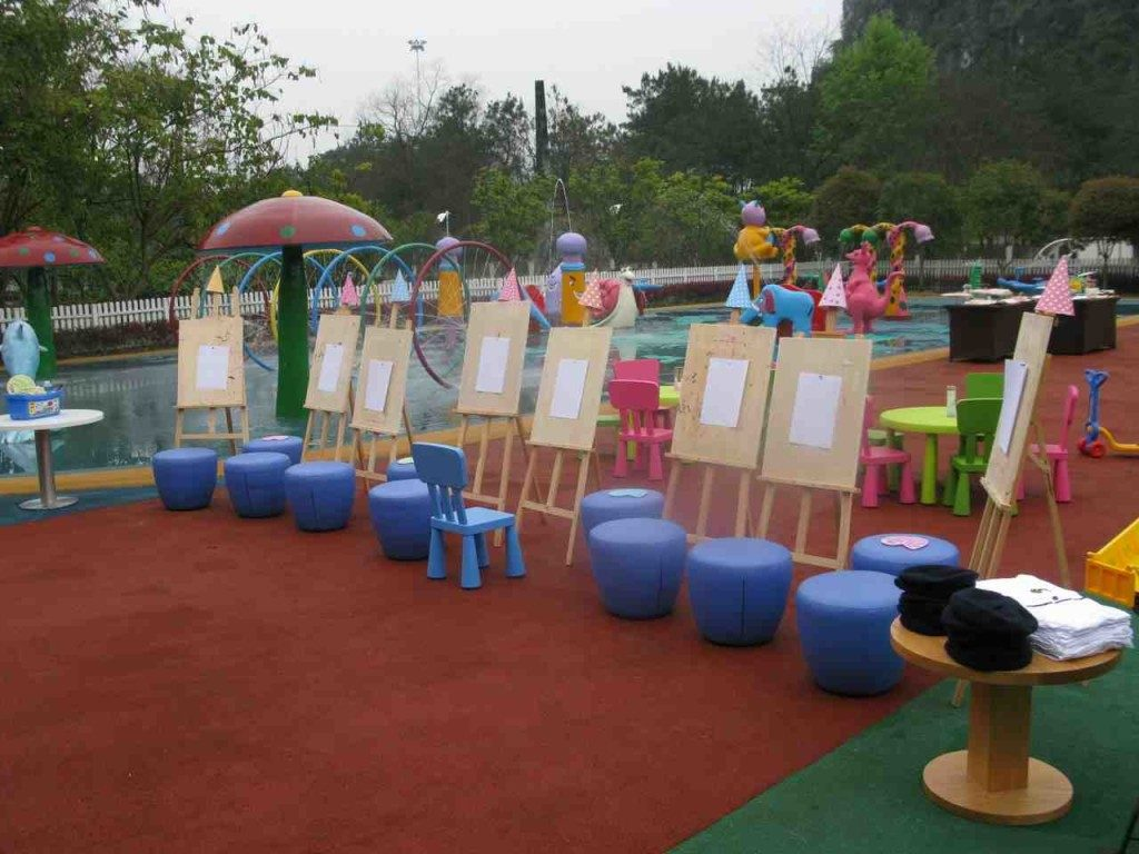 Club Med Guilin - Easels