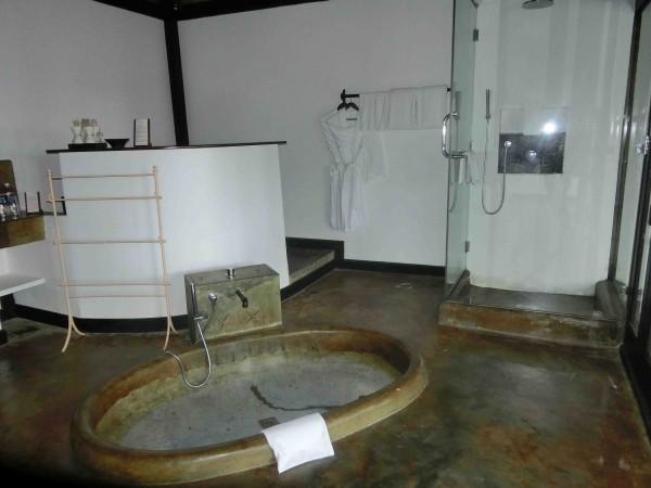 Jacuzzi Villa Bathroom