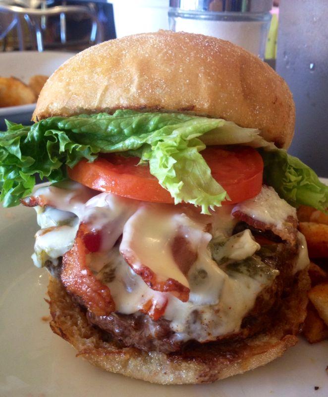 Green chile cheeseburger at the Santa Fe Bite