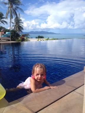 Sky in villa pool