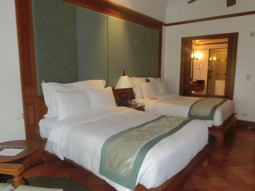 JW Marriott Bedroom
