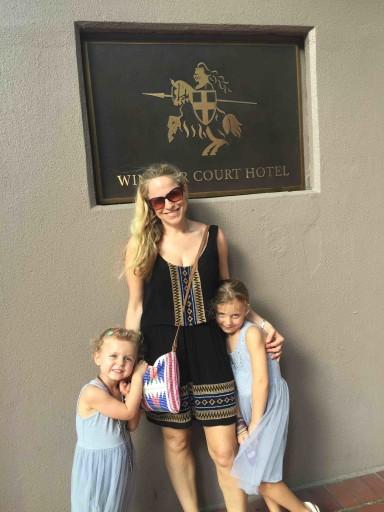 Louisiana - outside Windsor Court Hotel
