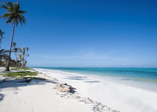 Baraza hotel beach