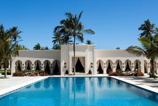 Baraza hotel pool